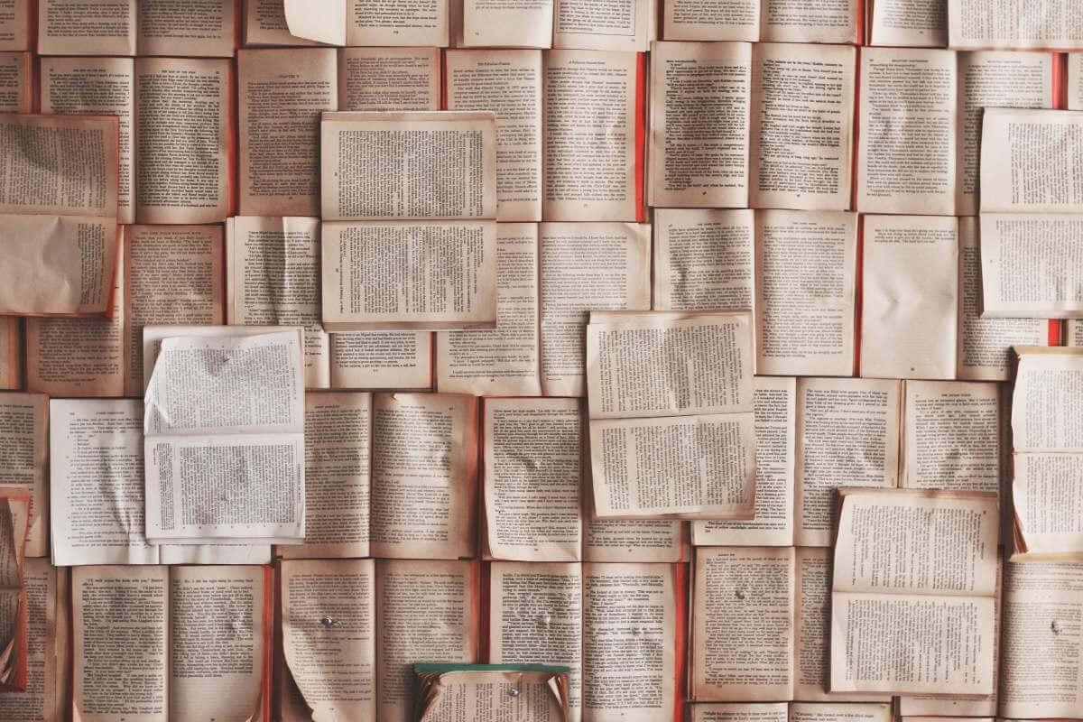 books - patrick-tomasso-71909-unsplash