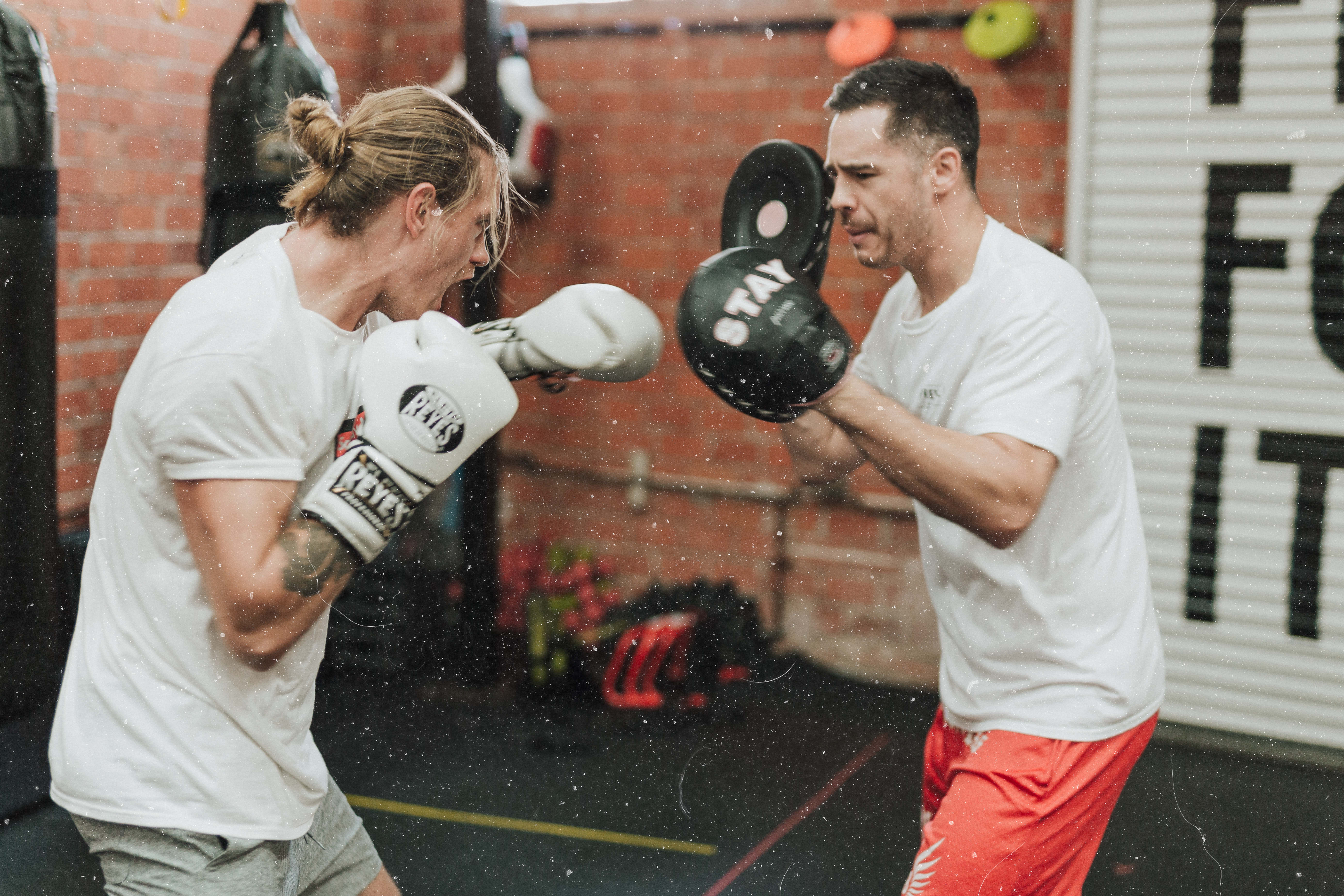 boxing (sparing) - mark-adriane-540728-unsplash