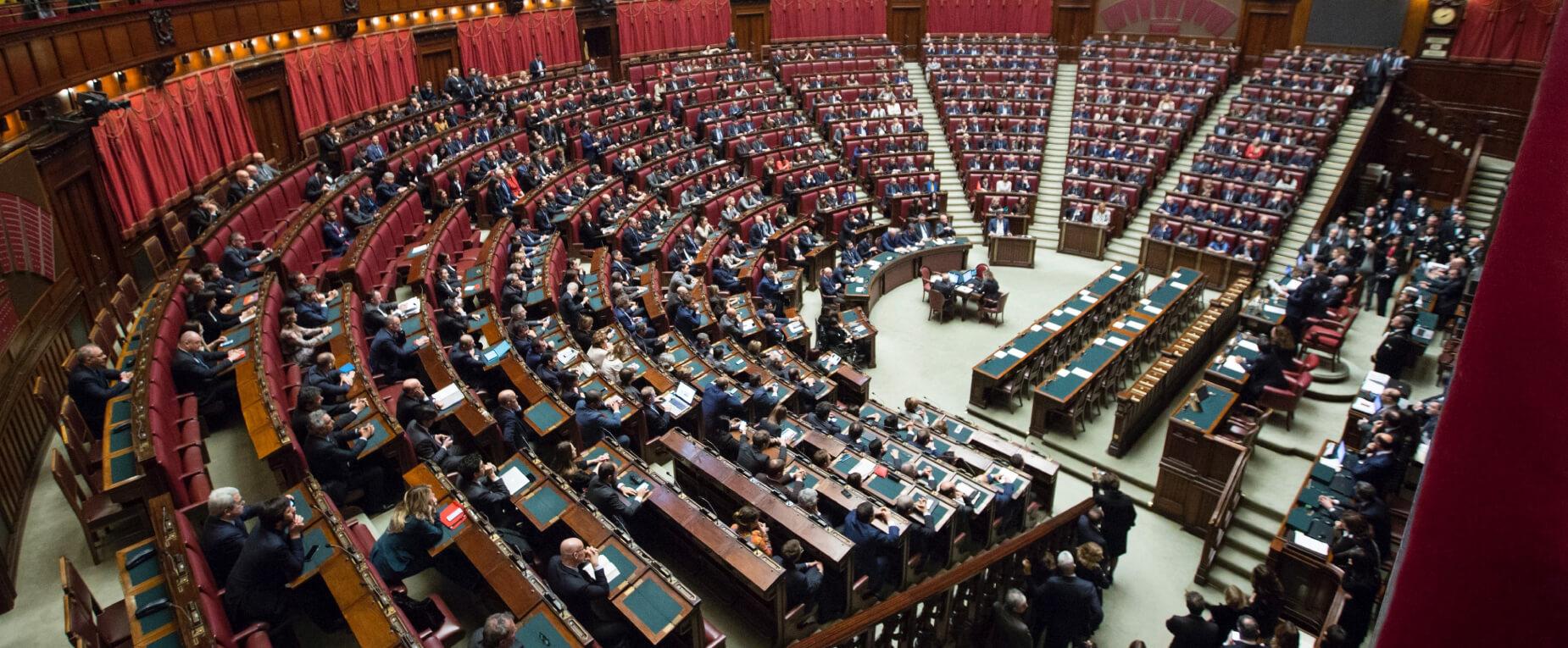 government banner - marco-oriolesi-wqLGlhjr6Og-unsplash