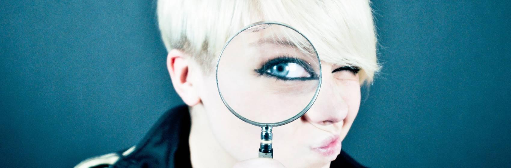 magnifying glass banner - emiliano-vittoriosi-0N_azCmUmcg-unsplash