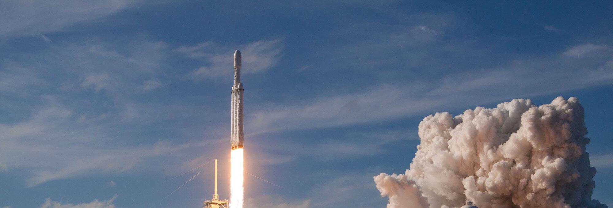 rocket banner - spacex-549326-unsplash