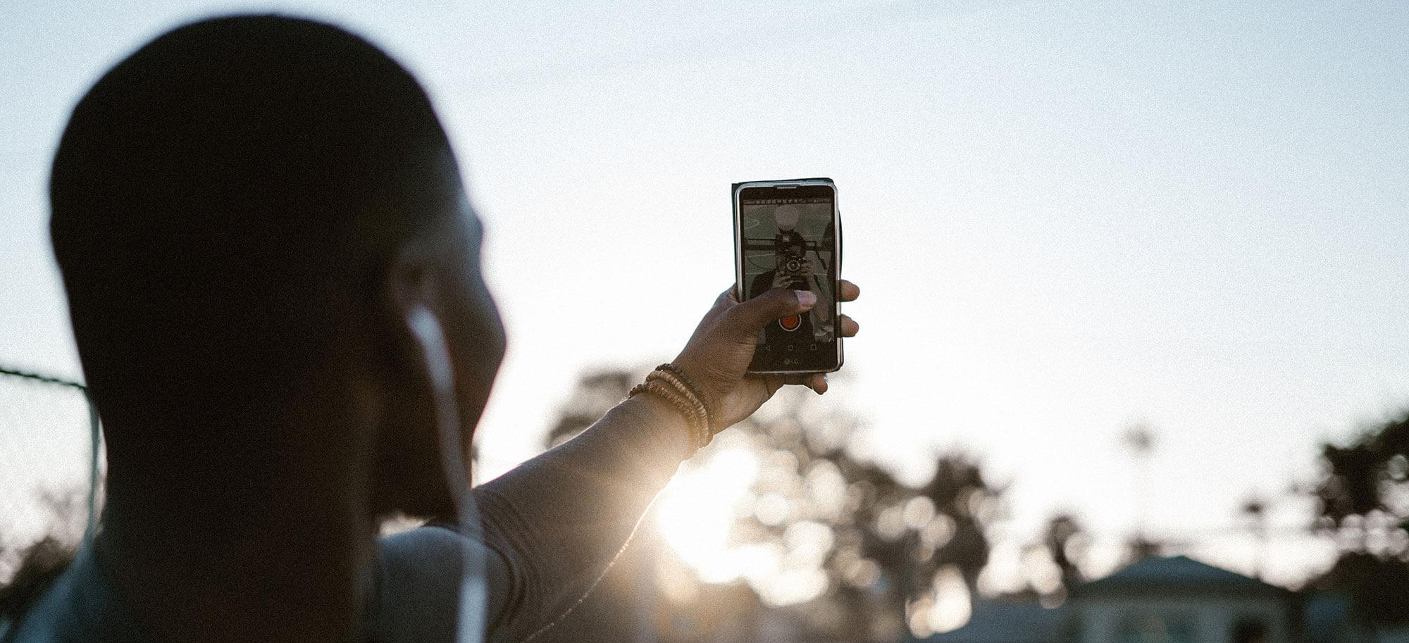 selfie banner - levi-elizaga-454770-unsplash.jpg