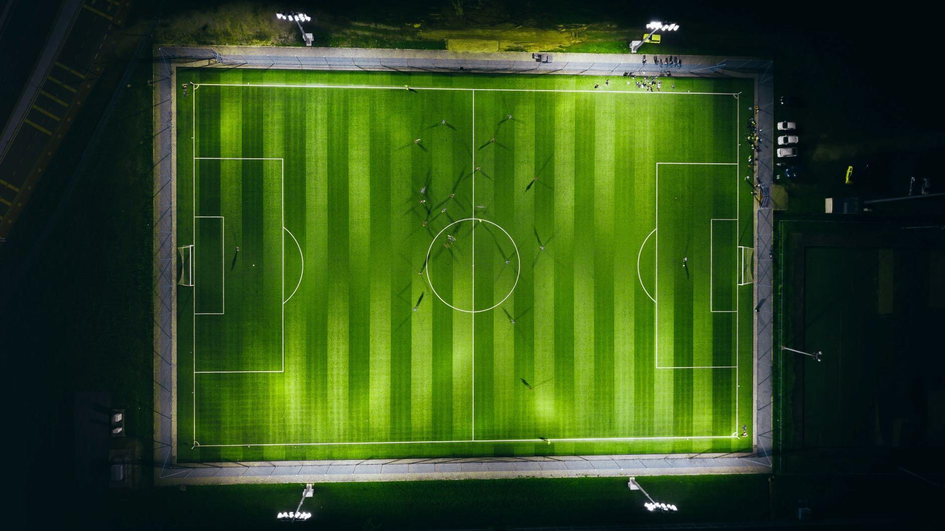 soccer field banner - izuddin-helmi-adnan-K5ChxJaheKI-unsplash