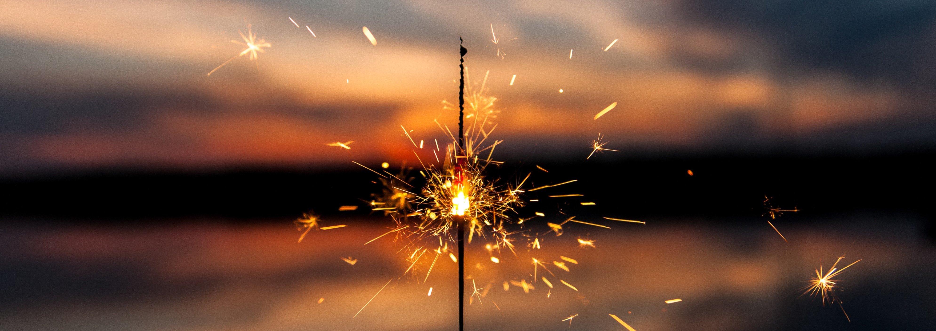 sparkle banner - dawid-zawila-E9b5kcgCR9Y-unsplash