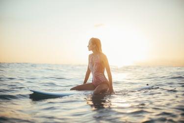 surfing - chris-osmond-q9GnP8x-yEs-unsplash