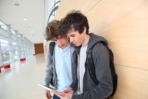 Students with ipad - Score At The Top