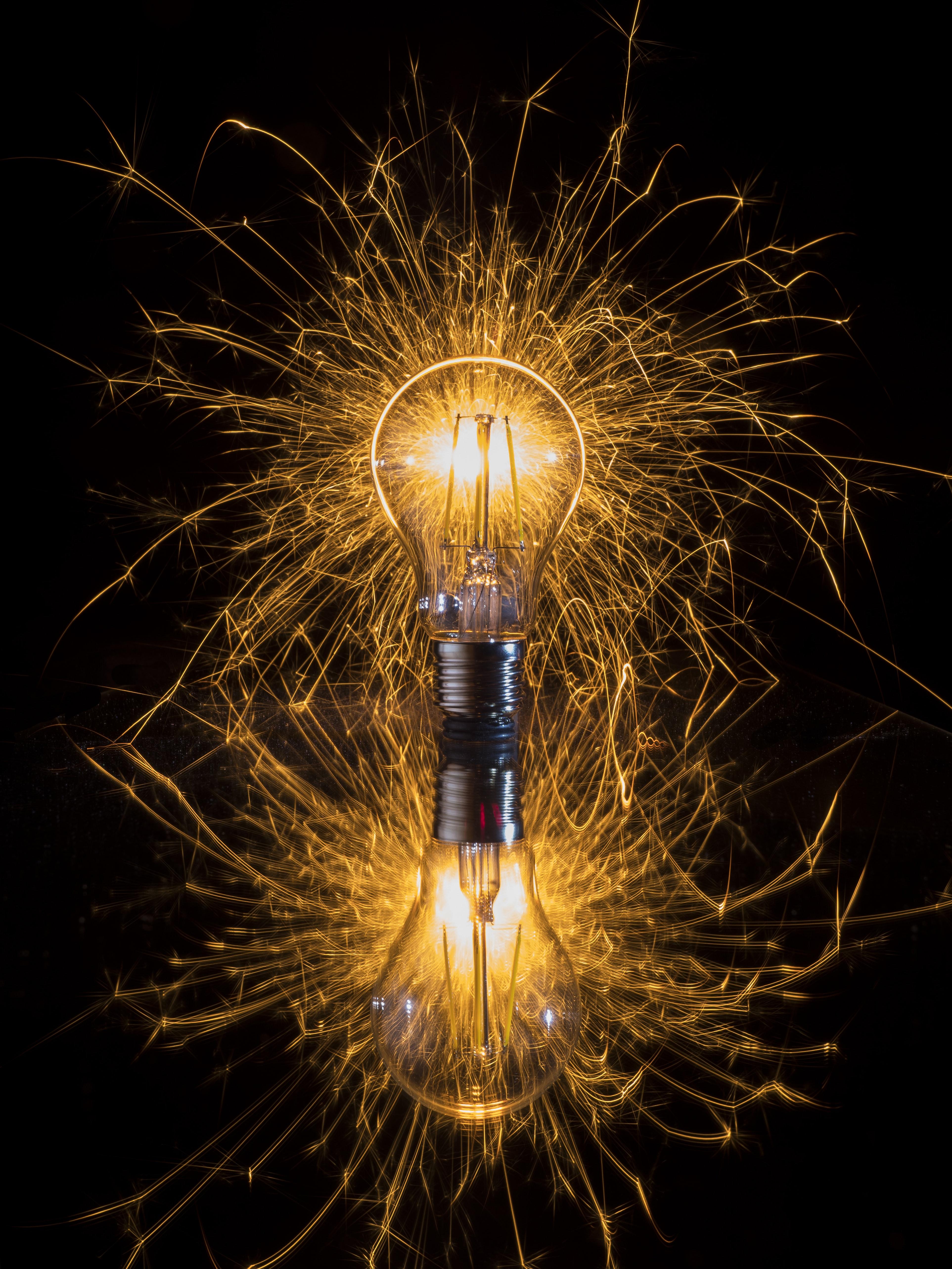 lightbulb - johan-extra-KsSUgqDwvb0-unsplash